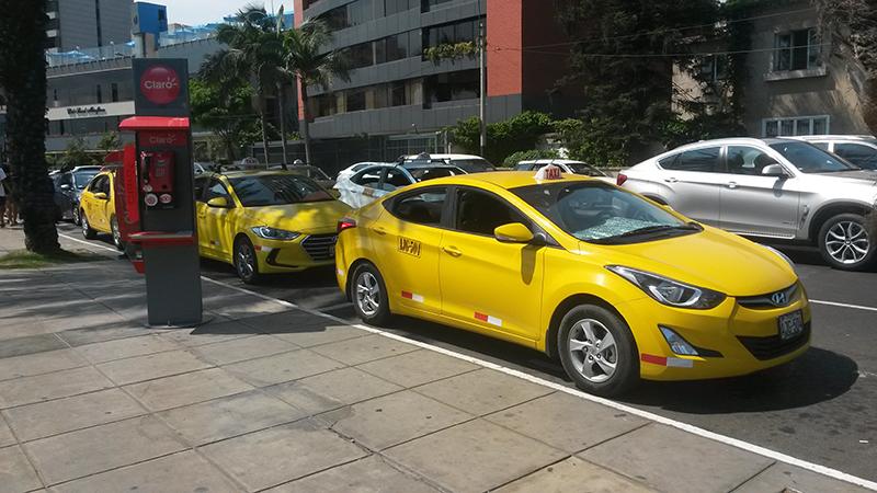 Táxi no Peru