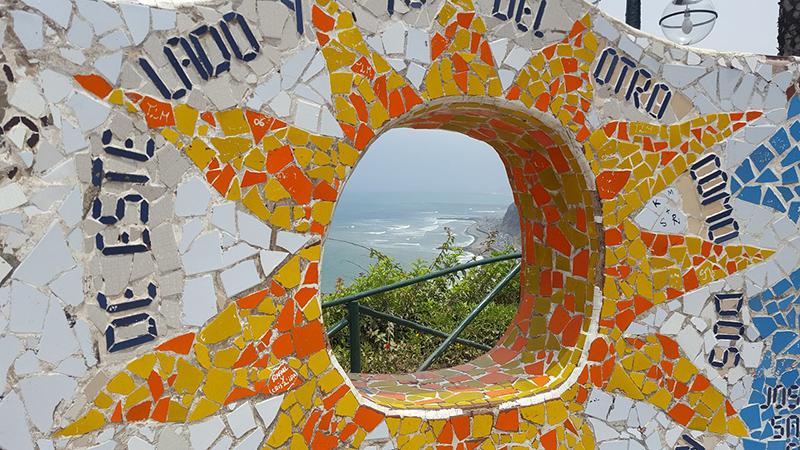 Mosaicos do Parque do Amor em Lima
