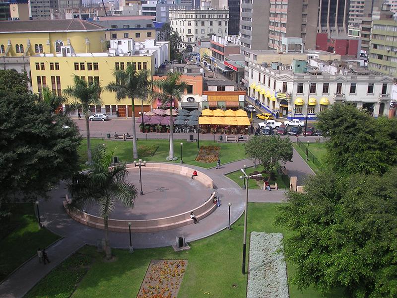 Parque Kennedy em Miraflores em Lima