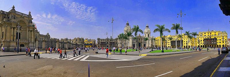 Vista panorâmica da Plaza de Armas em Lima