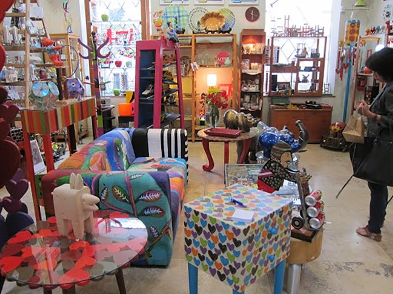 Interior da Loja de Artesanato Dédalo em Lima